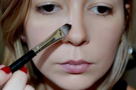 Como-afinar-o-nariz-com-maquiagem-P-C3-B3-Compacto-Soleil-Vult-Manteiga-Derretida-3