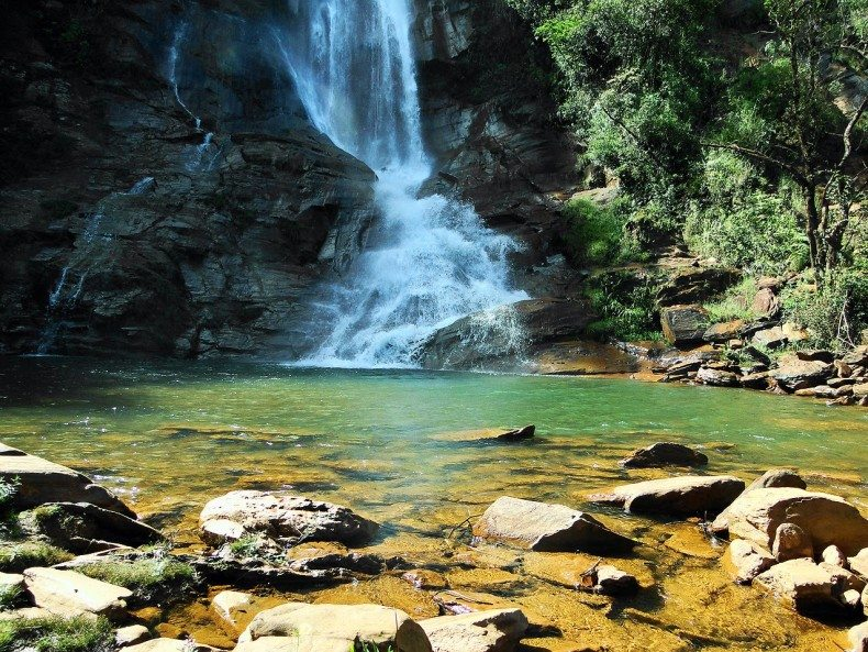 Para-driblar-o-calor-cachoeiras-próximas-a-BH 2